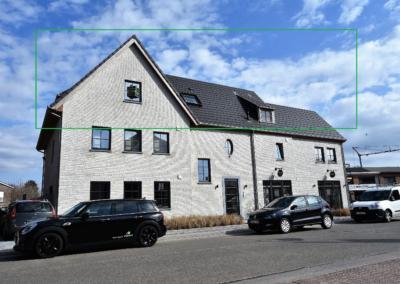 Lichtrijk dakappartement  in het hart van LANDEGEM.