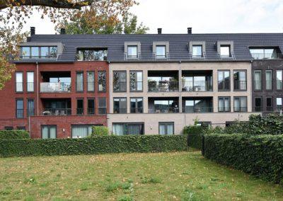 Appartement met 2 slaapkamers en garage te Sint-Amandsberg.