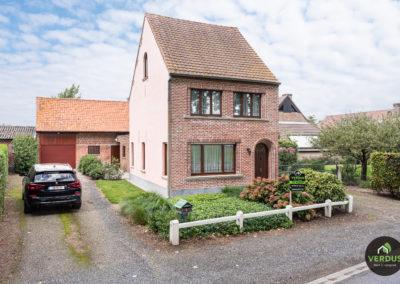 Gezellige woning met veel potentieel te Bassevelde.